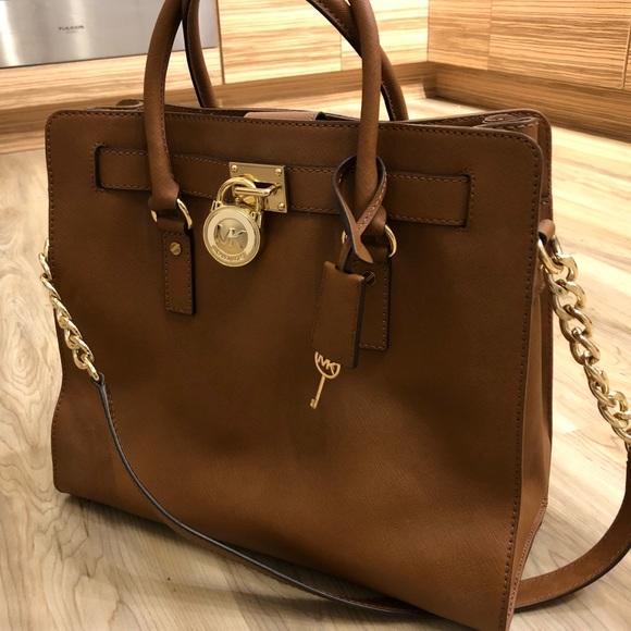 Michael Kors Handbags - Michael Kors Hamilton Purse